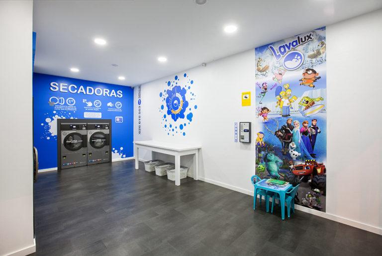 intérieur design de la laverie Lavalux de Pontevedra