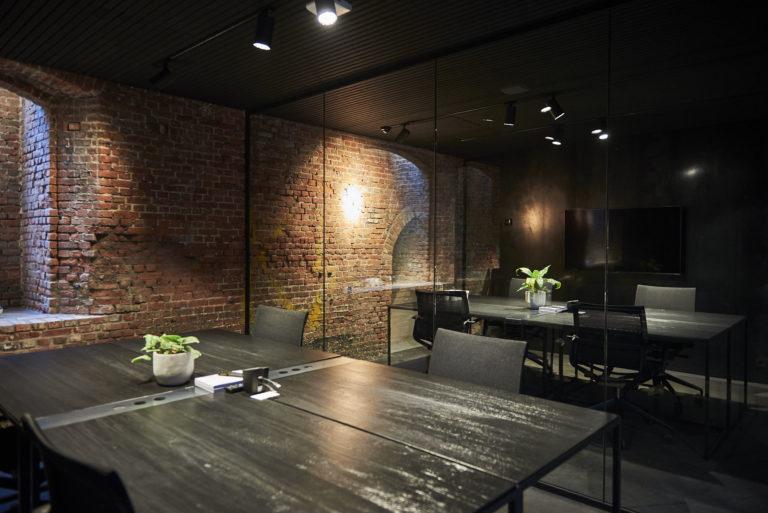Bureaux à l'éclairage design de Stokers à Anvers