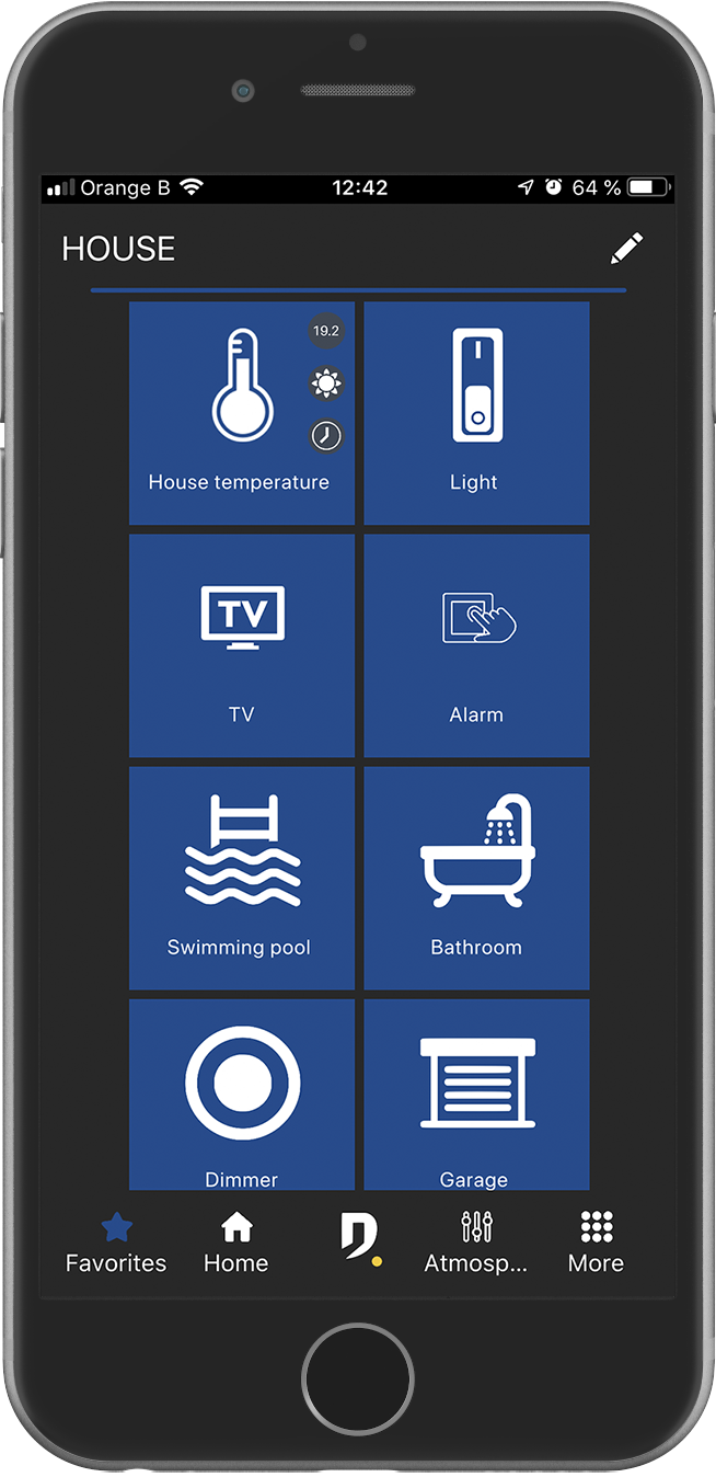 smartphone avec écran de grille d'installation de l'application Domintell Pilot