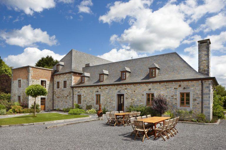 vue extérieure du gîte château-ferme Pondrôme de Beauraing