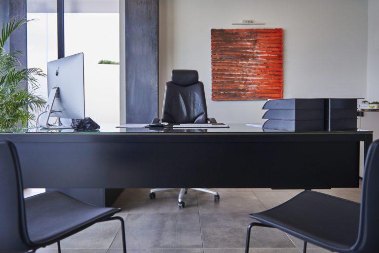 bureau dans l'entreprise Van Damme, équipée du système domotique Domintell