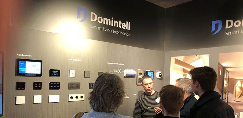 visiteurs sur le stand Domintell au salon Eigen Huis 2020